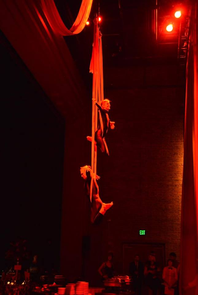 Duo Aerial Sling act