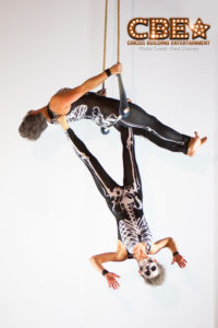 Duo Trapeze Skeletons